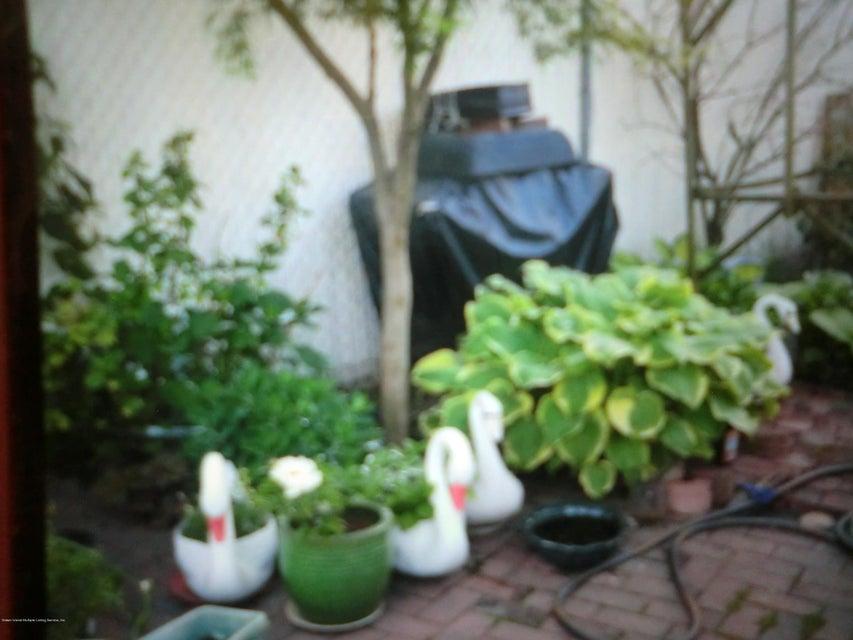 Single Family - Semi-Attached 831 Tompkins Avenue  Staten Island, NY 10305, MLS-1116913-19