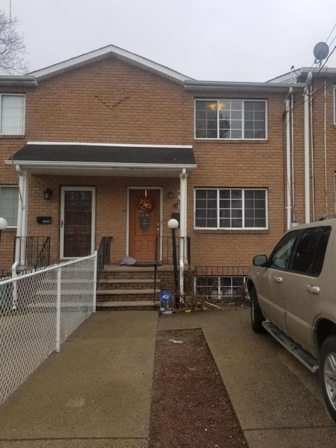 Single Family Home for Rent at 122 Prospect Street Staten Island, New York 10304 United States