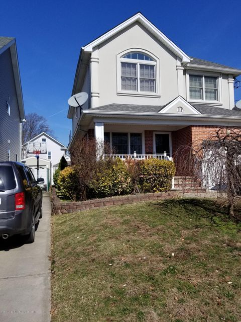Single Family - Detached in Westerleigh - 111 Coale Avenue  Staten Island, NY 10314