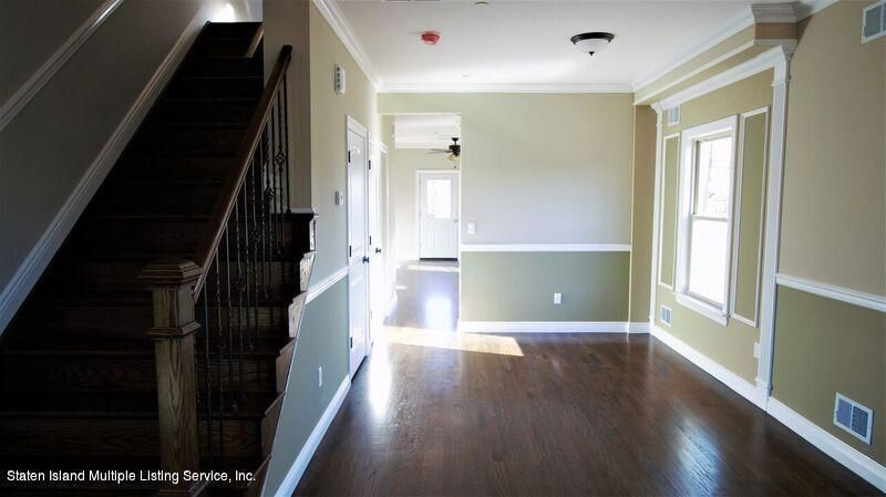Additional photo for property listing at 19 Montana Court  Staten Island, New York 10303 United States