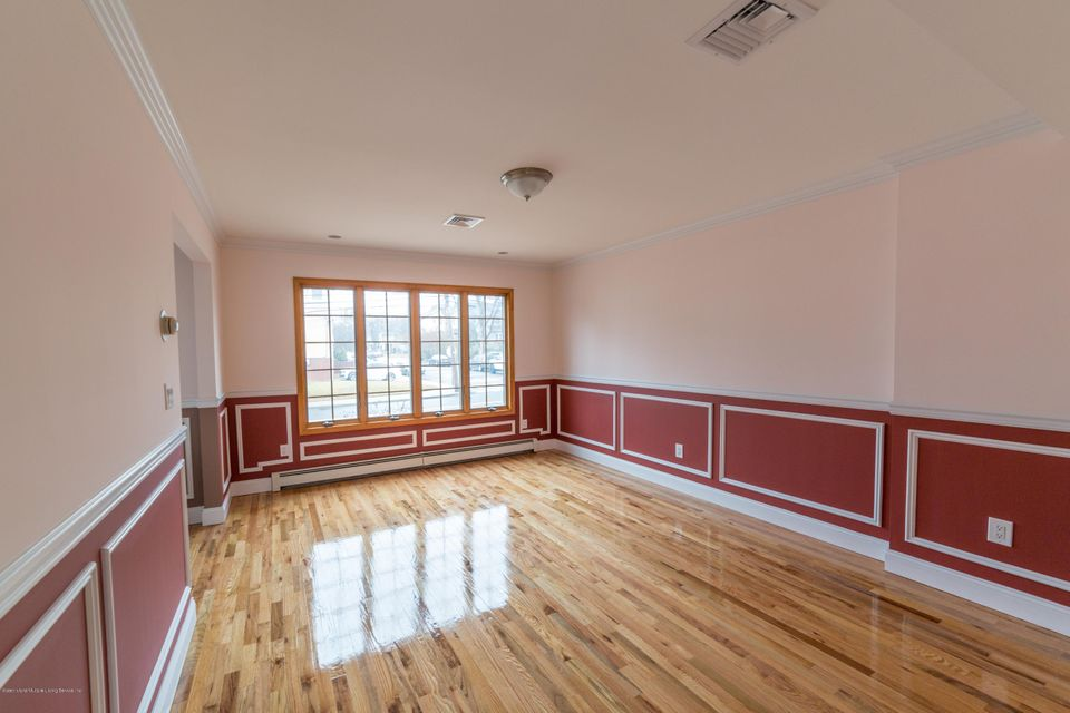 Additional photo for property listing at 5190 Amboy Road  Staten Island, New York 10312 United States