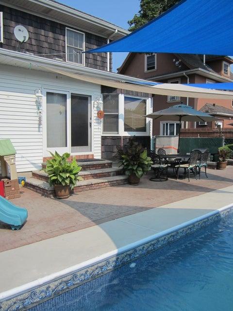 Single Family - Detached 140 Cromwell Avenue  Staten Island, NY 10304, MLS-1117106-21