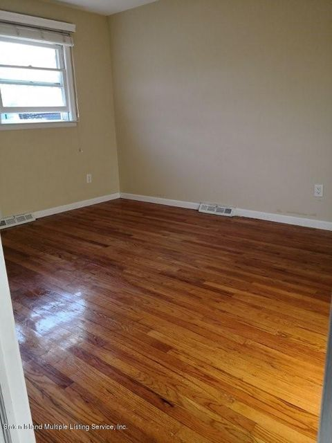 Additional photo for property listing at 16 Freeman Place  Staten Island, New York 10310 United States