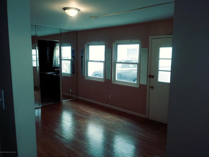 Additional photo for property listing at 88 Regis Drive  Staten Island, New York 10302 United States