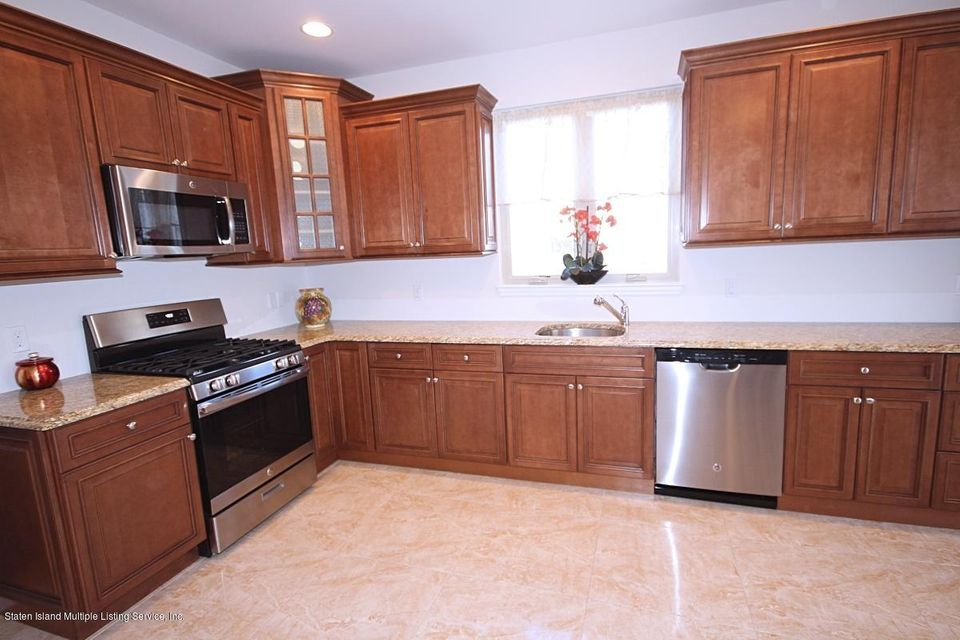 Single Family - Semi-Attached 15 Lemon Drop Court  Staten Island, NY 10309, MLS-1117132-9