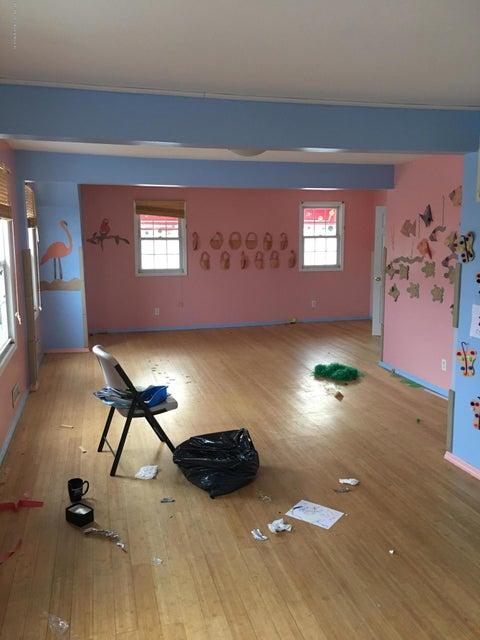 Single Family - Detached 4239 Richmond Avenue  Staten Island, NY 10312, MLS-1116011-8