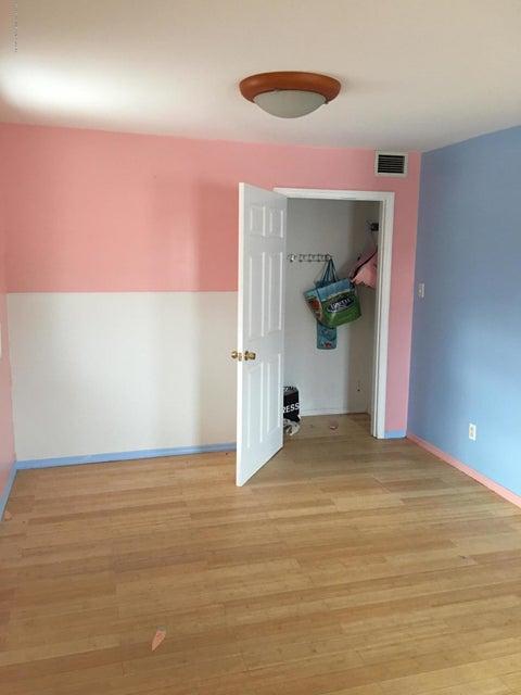 Single Family - Detached 4239 Richmond Avenue  Staten Island, NY 10312, MLS-1116011-10