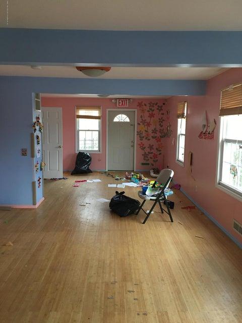 Single Family - Detached 4239 Richmond Avenue  Staten Island, NY 10312, MLS-1116011-9