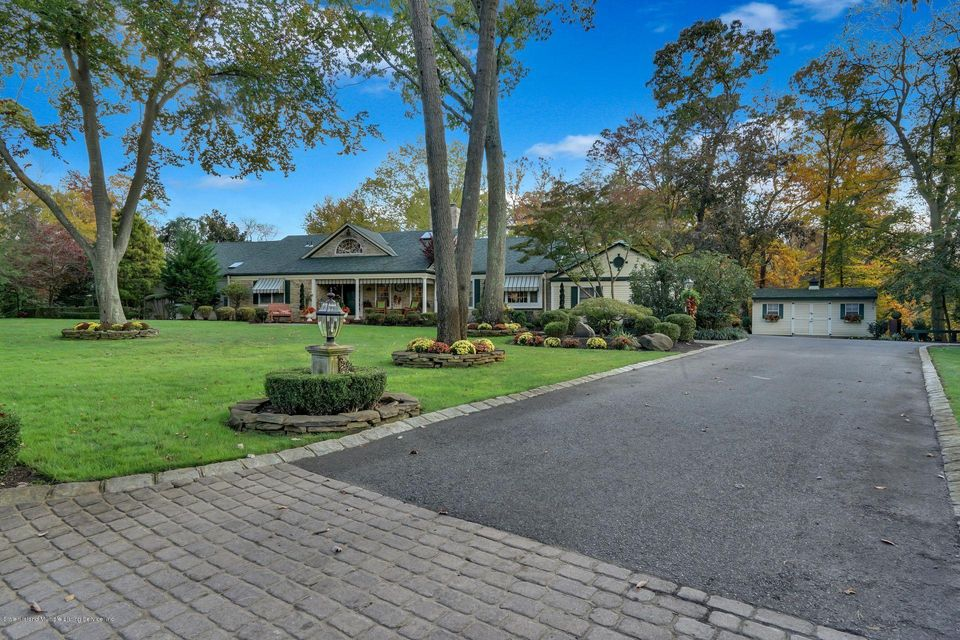 Single Family - Detached 3 Williamsburg South   Colts Neck, NY 07722, MLS-1117138-3