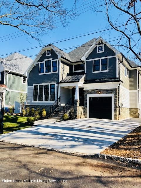 Single Family - Detached in Lighthouse Hill - 16 Lowell Street  Staten Island, NY 10306