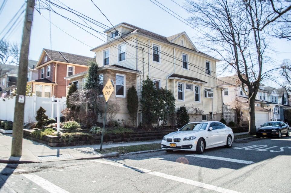 Single Family - Detached in Westerleigh - 30 Eldridge Avenue  Staten Island, NY 10302