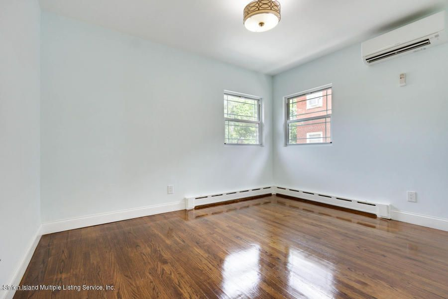Additional photo for property listing at 377 Oak Avenue  Staten Island, New York 10306 United States