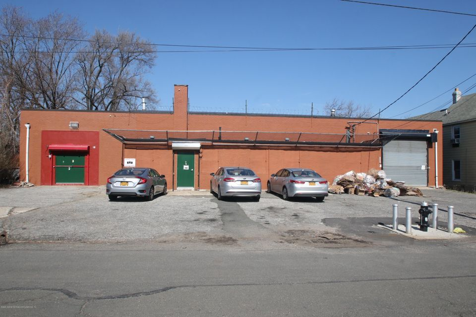 Commercial for Rent at 81 Christopher Street Staten Island, New York 10303 United States