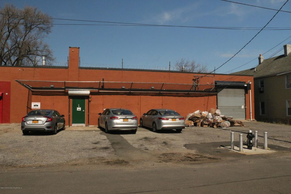 Additional photo for property listing at 81 Christopher Street  Staten Island, New York 10303 United States
