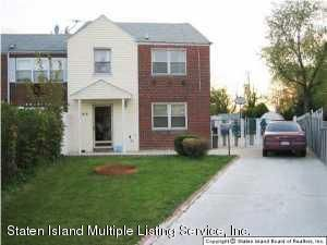 Single Family Home for Sale at 144 Comstock Avenue Staten Island, 10314 United States