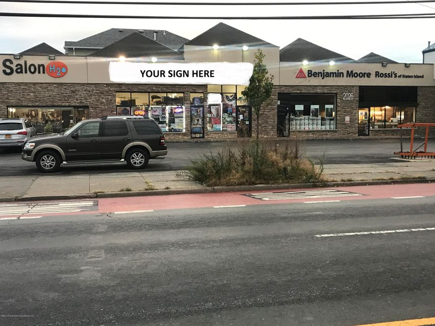 Commercial for Rent at 2026 Hylan Boulevard Staten Island, New York 10306 United States