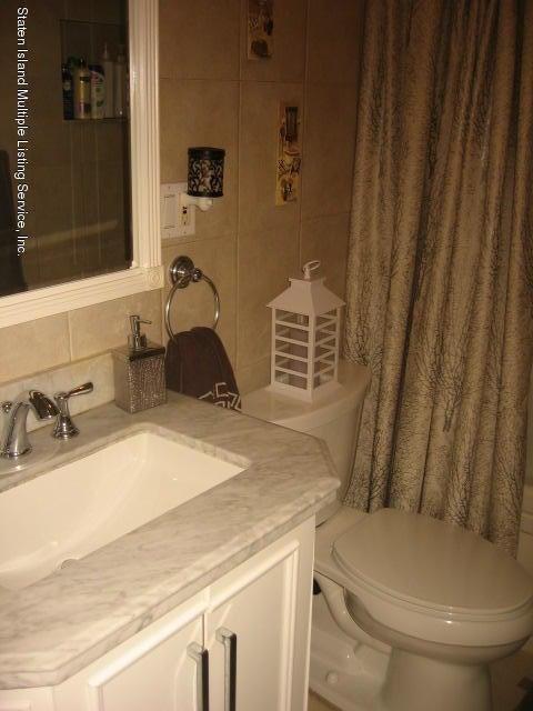 Single Family - Semi-Attached 44 Hewitt Avenue  Staten Island, NY 10301, MLS-1117233-23