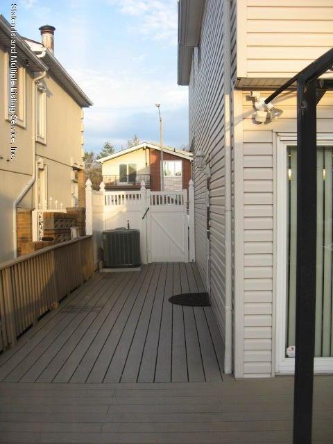 Single Family - Semi-Attached 44 Hewitt Avenue  Staten Island, NY 10301, MLS-1117233-30