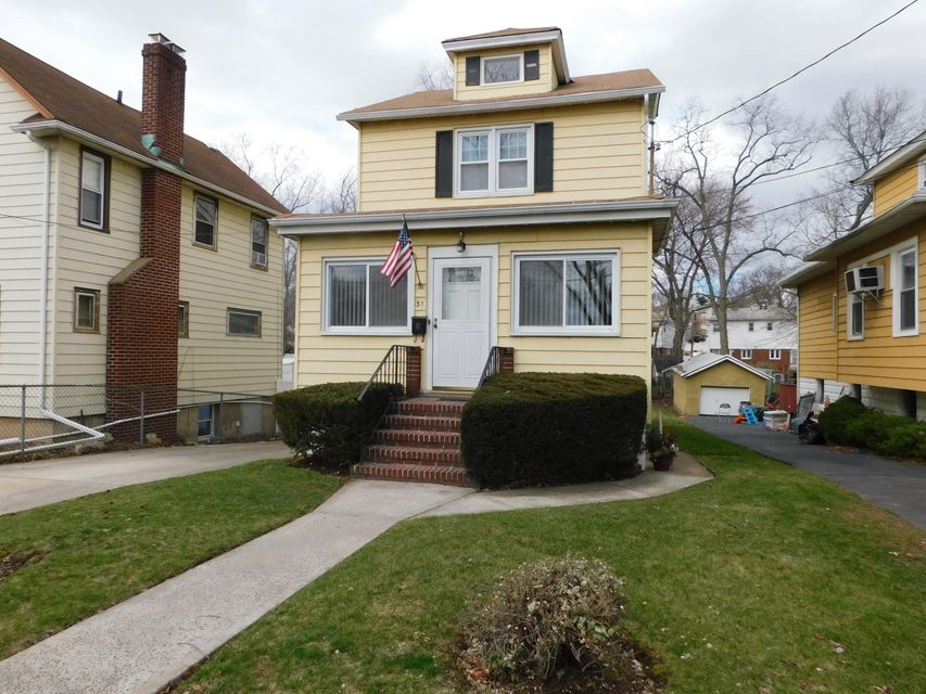 Single Family Home for Sale at 31 Florence Street Staten Island, 10308 United States