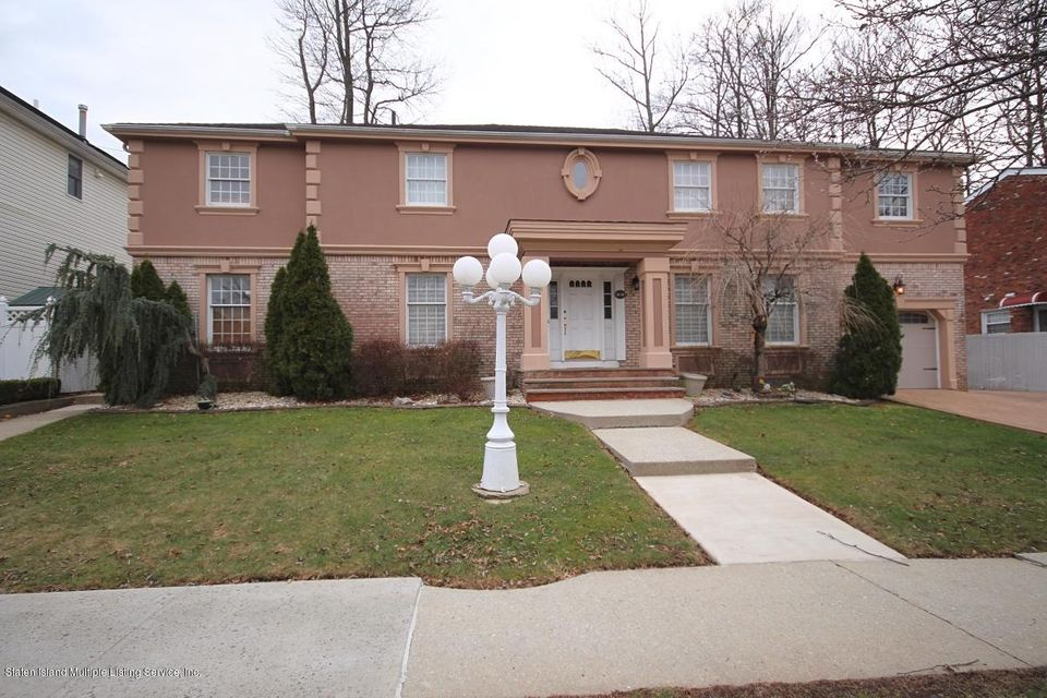 Two Family - Detached in Arden Heights - 32 Almond Street  Staten Island, NY 10312