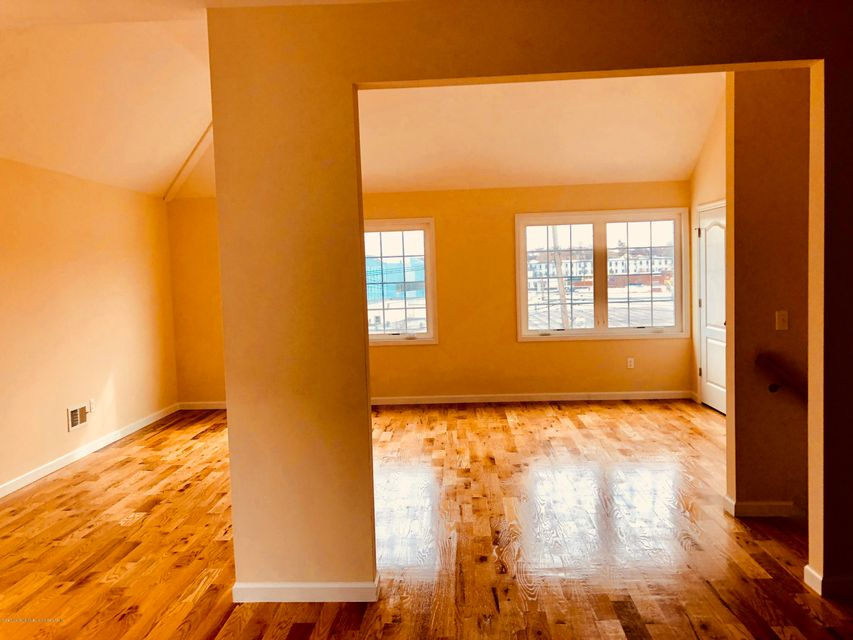 Additional photo for property listing at 117 Greenfield Avenue  Staten Island, New York 10304 United States