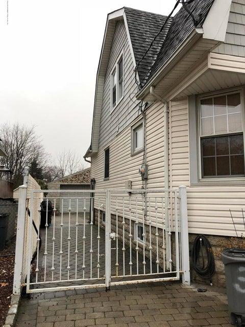 Single Family - Detached 317 Brehaut Avenue  Staten Island, NY 10307, MLS-1117419-3