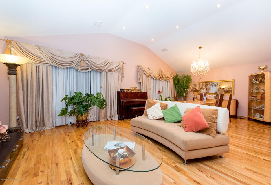Two Family - Detached 323 Naughton Avenue  Staten Island, NY 10305, MLS-1117428-2
