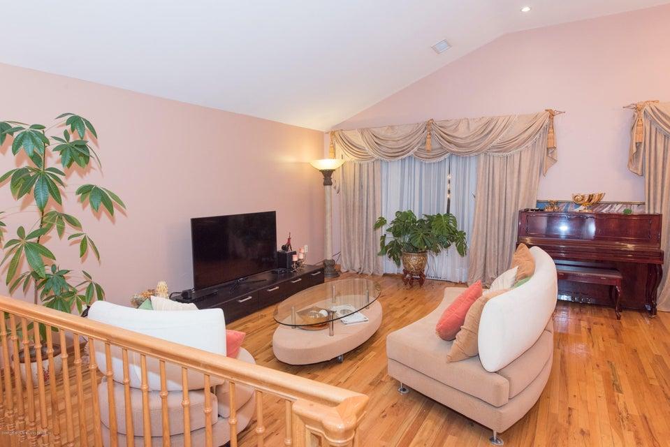 Two Family - Detached 323 Naughton Avenue  Staten Island, NY 10305, MLS-1117428-9