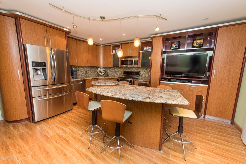 Two Family - Detached 323 Naughton Avenue  Staten Island, NY 10305, MLS-1117428-10