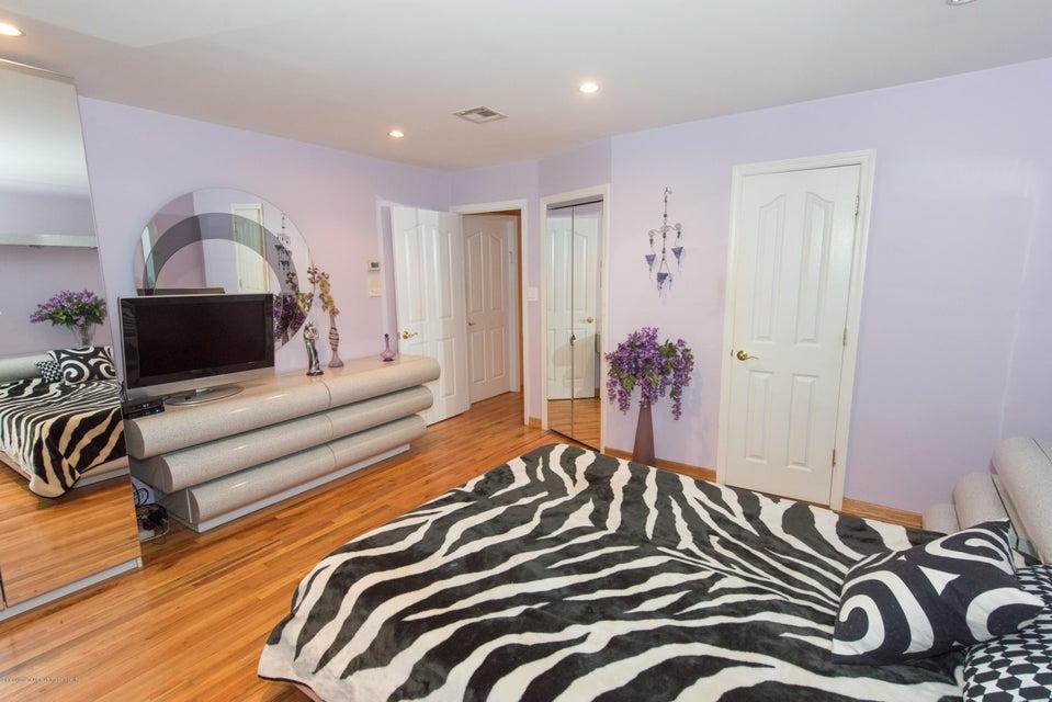 Two Family - Detached 323 Naughton Avenue  Staten Island, NY 10305, MLS-1117428-24
