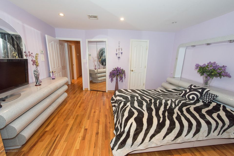 Two Family - Detached 323 Naughton Avenue  Staten Island, NY 10305, MLS-1117428-25