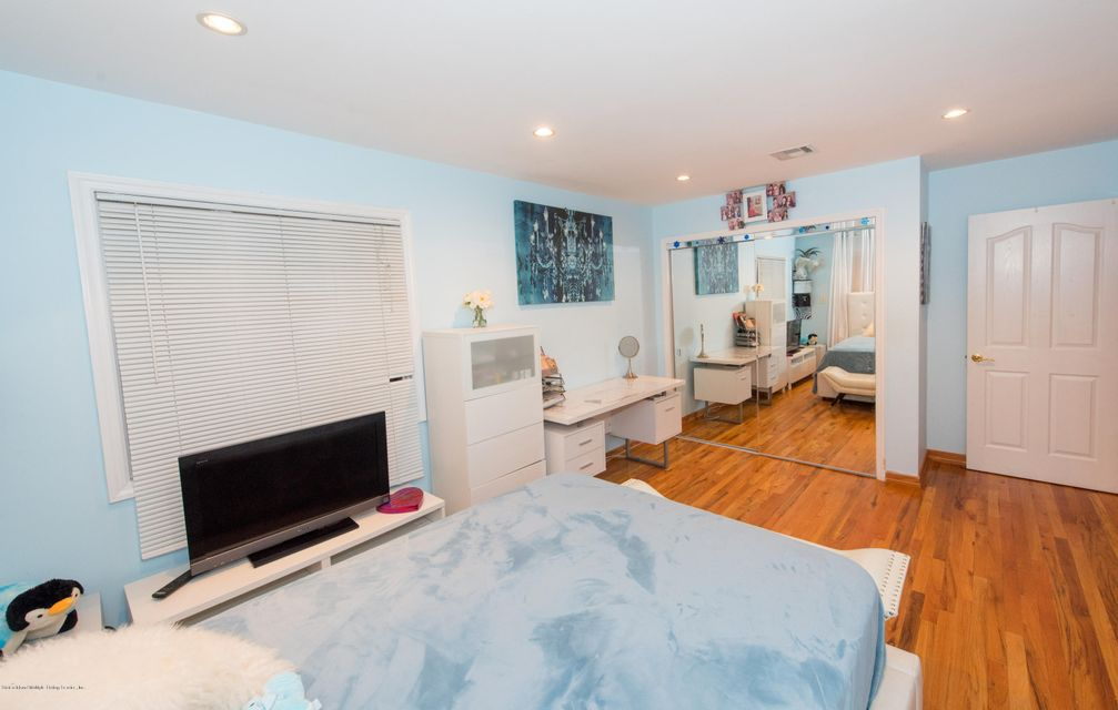 Two Family - Detached 323 Naughton Avenue  Staten Island, NY 10305, MLS-1117428-31