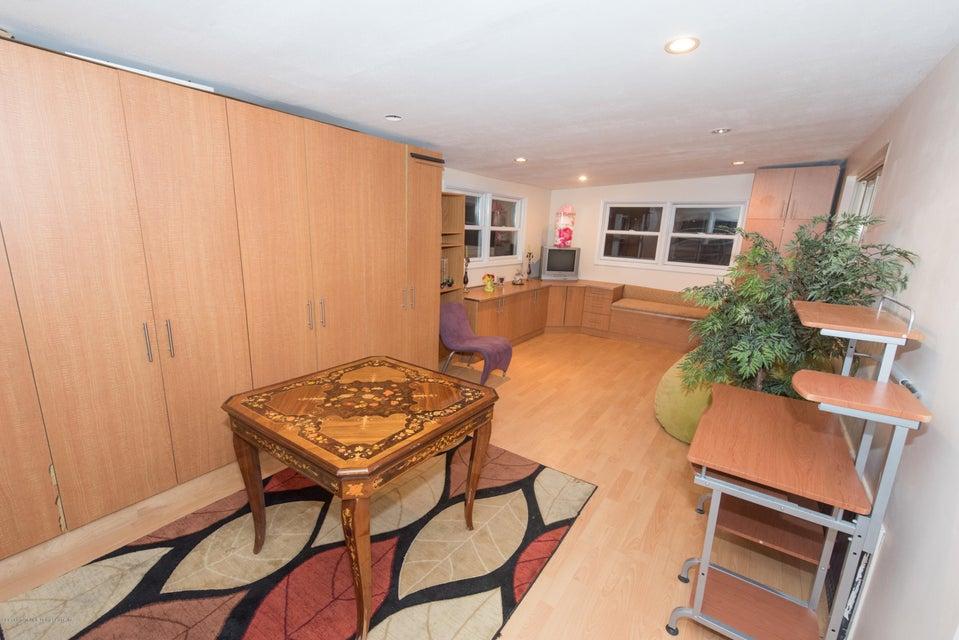Two Family - Detached 323 Naughton Avenue  Staten Island, NY 10305, MLS-1117428-39