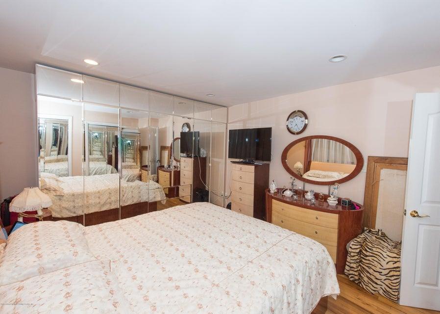 Two Family - Detached 323 Naughton Avenue  Staten Island, NY 10305, MLS-1117428-52