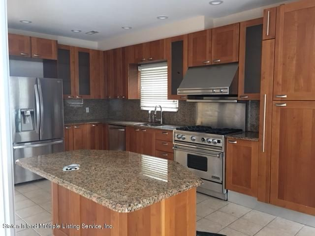 Additional photo for property listing at 5775 Hylan Blvd  Staten Island, New York 10309 United States