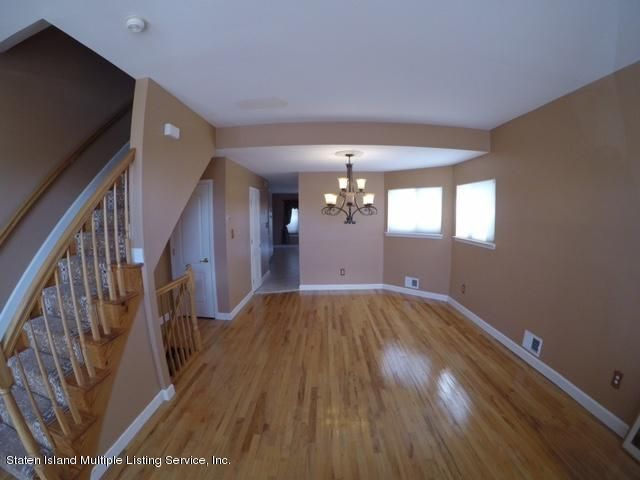 Single Family - Semi-Attached 1041 Rensselaer Avenue  Staten Island, NY 10309, MLS-1117475-3