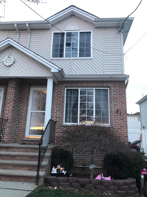 Single Family Home for Rent at 31 Beresford Avenue Staten Island, 10314 United States