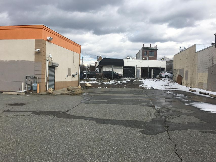 Additional photo for property listing at 1872 Richmond Terrace  Staten Island, New York 10310 United States