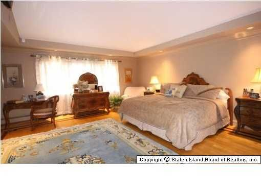 Single Family - Detached 32 Highpoint Road  Staten Island, NY 10304, MLS-1117491-11