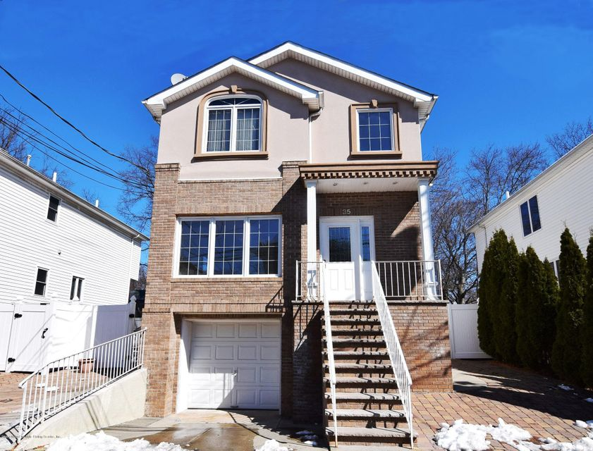 Single Family - Detached in Huguenot - 35 Comfort Court  Staten Island, NY 10312