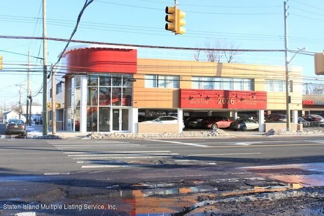 Commercial for Rent at 2076 Hylan Boulevard Staten Island, New York 10305 United States