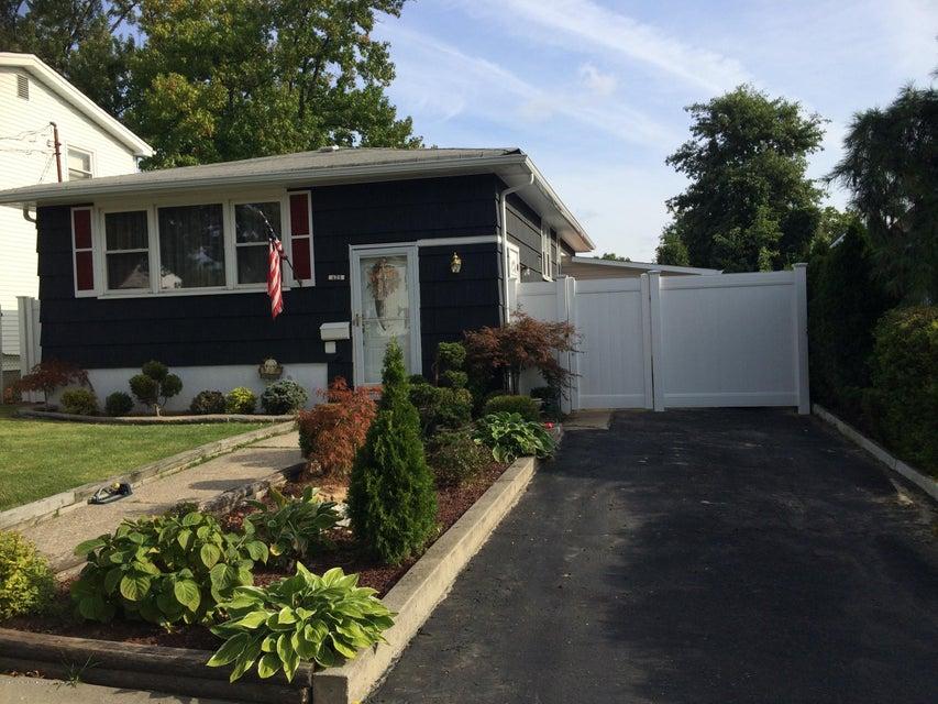 Single Family - Detached in Eltingville - 425 Preston Avenue  Staten Island, NY 10312
