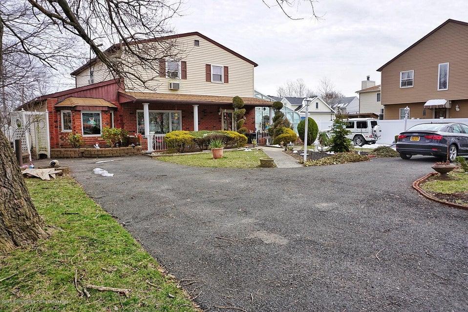 Single Family - Detached 125 Winant Avenue  Staten Island, NY 10309, MLS-1117505-2