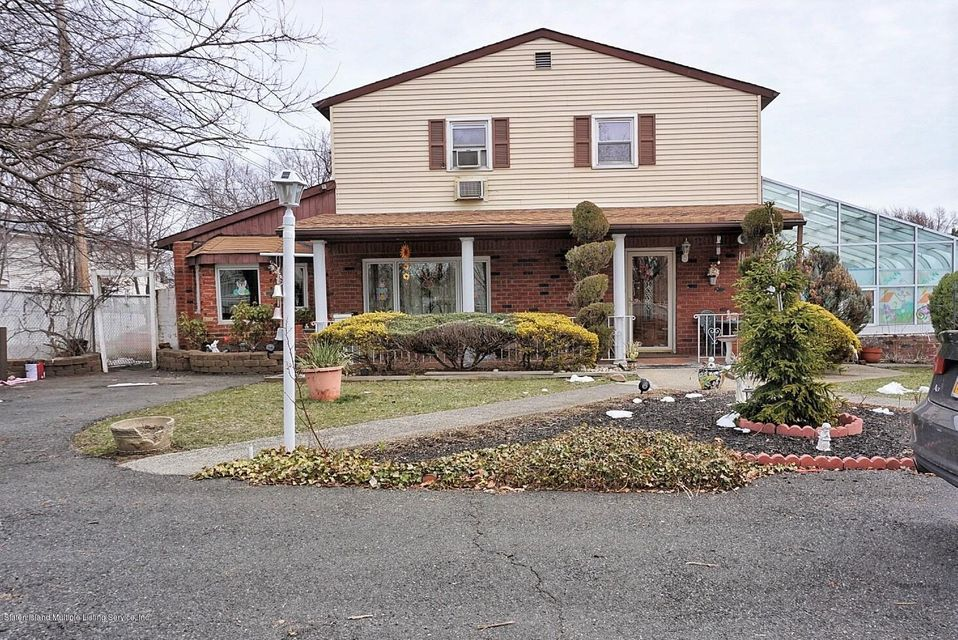 Single Family - Detached in Rossville - 125 Winant Avenue  Staten Island, NY 10309