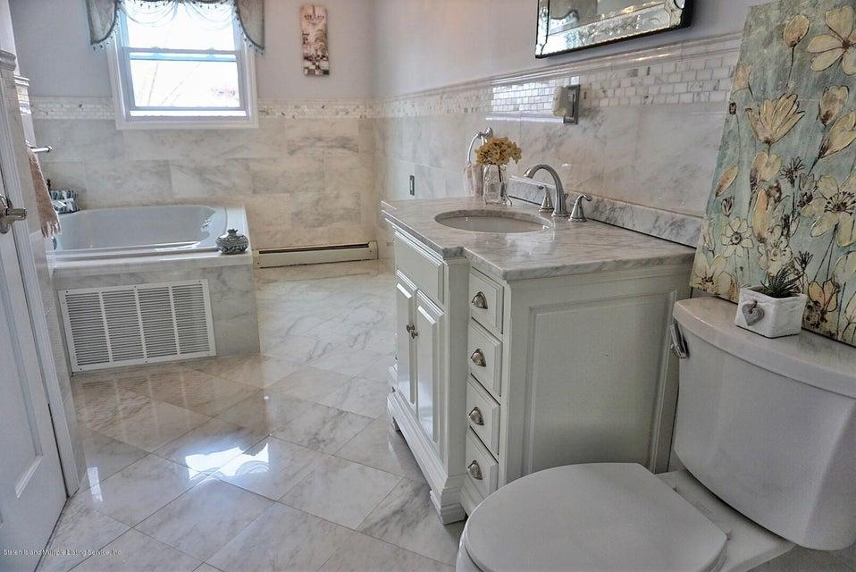 Single Family - Detached 125 Winant Avenue  Staten Island, NY 10309, MLS-1117505-20