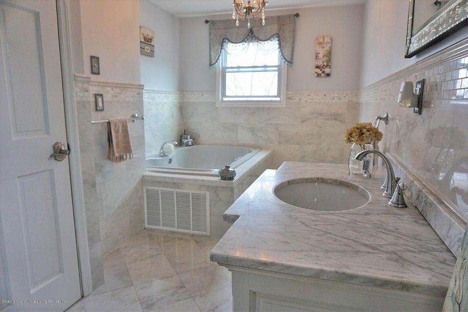 Single Family - Detached 125 Winant Avenue  Staten Island, NY 10309, MLS-1117505-22