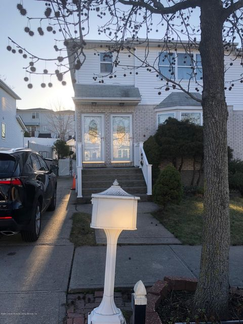 Single Family Home for Rent at 114 Pemberton Avenue Staten Island, New York 10308 United States