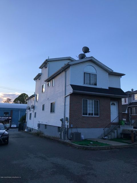 Single Family - Semi-Attached 97 Greenfield Avenue  Staten Island, NY 10304, MLS-1117459-2