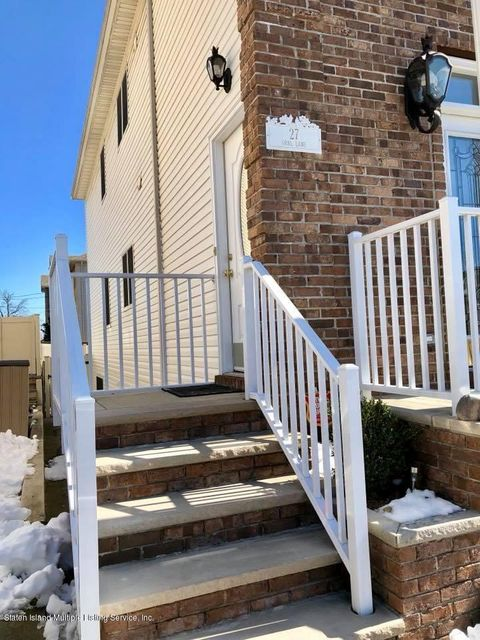 Additional photo for property listing at 27 Opal Lane  Staten Island, New York 10309 United States