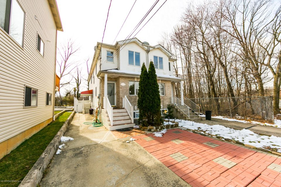 Single Family Home for Sale at 3360 Victory Boulevard Staten Island, 10314 United States